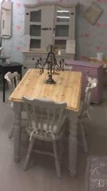 Pine farmhouse table,4 chairs