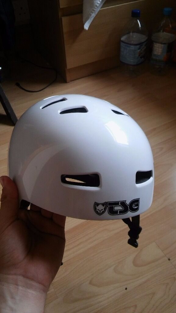 TSG BMXMTB Helmetin Derby, DerbyshireGumtree - Tsg helmet for sale... Only ever used it once to go to an indoor skatepark and thats jt. Never been used since. I no longer have rhe box and jts a LARGE size. £20
