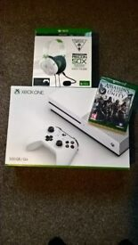 Xbox one 500GB WHITE COMES WITH ASSASSINS CREED GAME AND HEAD SET NEW IN BOX, FIFA 17 ON XBOX