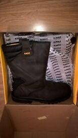 size 11 (UK) brand new Dewalt rigger safety boots.