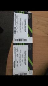 2 tickets let's rock Christmas