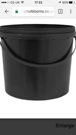 Black buckets with lids 5litres and up