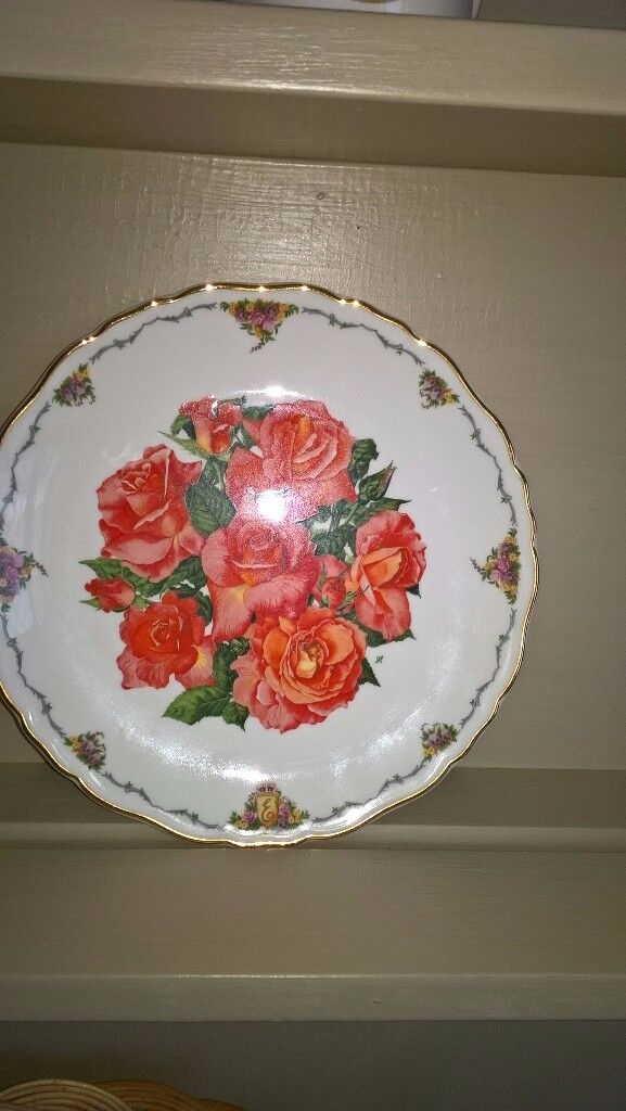 Royal Albert China Collector Plate Elizabeth Of Glamis Favourite Flowers Peach Roses Ex Condition