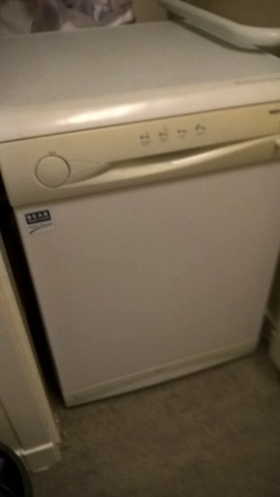 Full size Beko Dishwasher in good working condition.