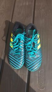 Boys Adidas Indoor soccer shoes - size 3
