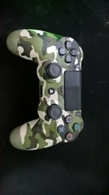 (2 months old! Barely used!) PS4 DualShock 4 V2 Wireless Controller - Green Camo