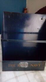 OLD NAVY LEAFLET/POST BOX