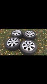 Set of 4 size 17 alloy wheels