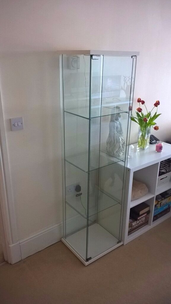 Ikea detolf glass display cabinet in white with fitted for Ikea display box