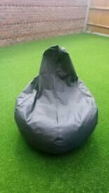 Bean bag chair / Bean bag
