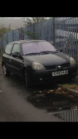 Renault clio breaking for spares