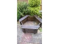 Garden wooden tree seat planter