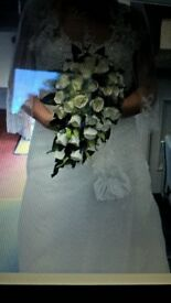 ROMANTICA OF DEVON WEDDING DRESS PLUS TIARA TEAR DROP BOUQUET& &VALE ALLIVORY