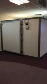 Large Walk In Commercial Cold Room 3 x 3 x 2,1 mt with large door (1,5mt) with 10 month guarantee