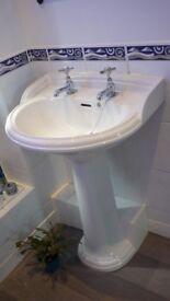 Bathroom suit (washbasin, toilet & bath)