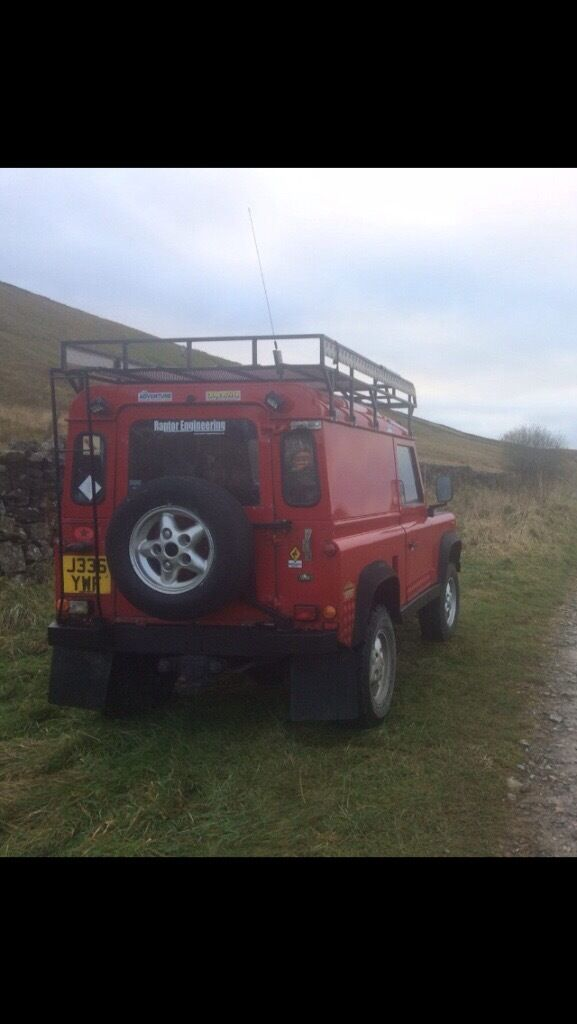 Land Rover Defender 90 Brownchurch roof rack and ladder