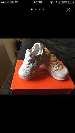 Baby / Infant Nike White Trainer 3.5 Huaraches