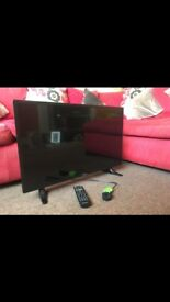 32inch Polaroid Tv with build in freeview. Immaculate condition bought for £120 3 months ago.