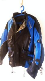 Motorcycle Jacket, size (M). Great condition. Akito Python. Textile material