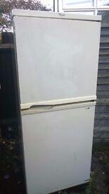 whirlpool fridge freezeer in working condition