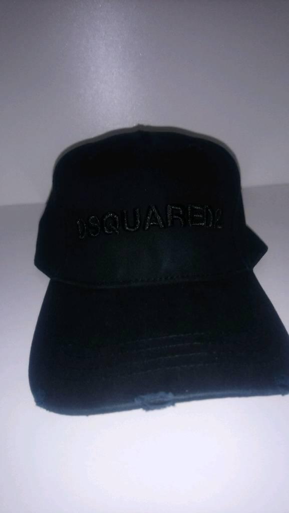 47254dfb264 Dsquared cap all black