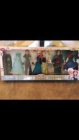 Disney Deluxe Frozen Doll Set