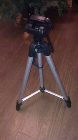 Expro extendable camera tripod - extends from 68 cm to 170 cm