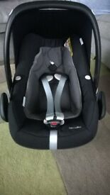 Maxi-Cosi Pebble Plus Car Seat - black & grey (like a new)