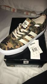 Women's Adi Ease adidas trainers size 6