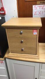 kensington 3 drawer bedside full oak