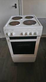 Statesman free standing electric cooker