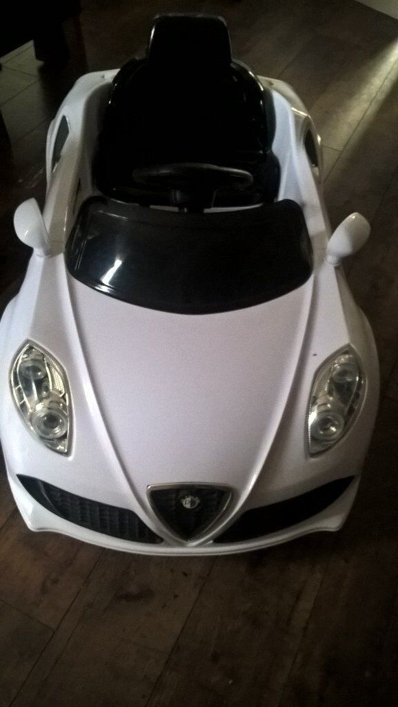 White Electric Battery Powered 12v Ride on Car