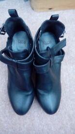 Ladies black OSOS boots size 39