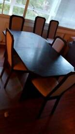 Dining table and chairs (4-6)