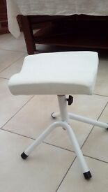 Portable pedicure stool, ideal for small salon or mobile therapist. Used but in good condition
