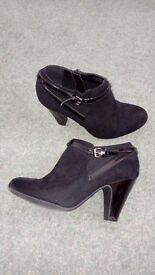 Ladies George Boots size 5