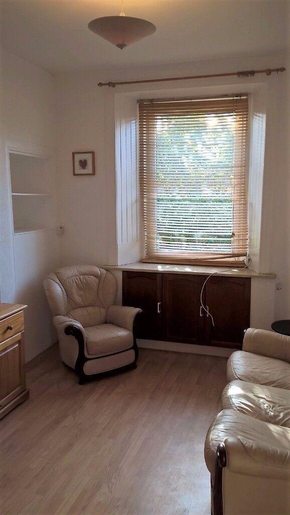 1 bedroom, 2nd floor furnished flat – 20 Wardlaw Street (Gorgie)
