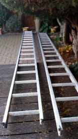 Extendable aluminium ladder - used only a few times.
