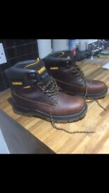 De Walt safety boots size 8