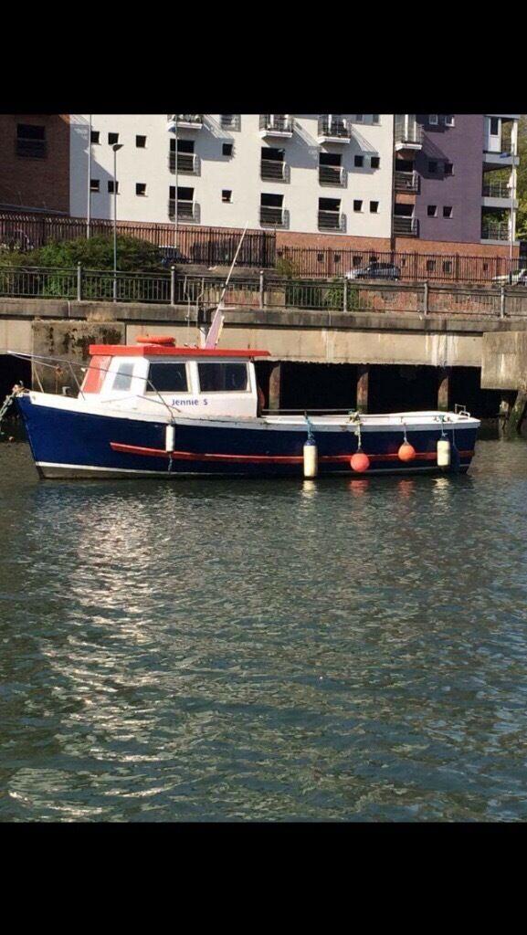 26ft fibreglass fishing boat
