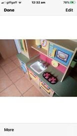 Kids wooden play kitchen in very good condition