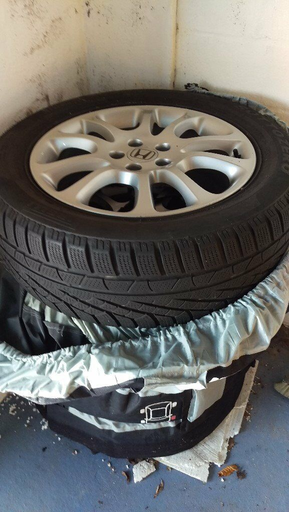Honda CRV Alloy Wheels Complete With Pirelli Winter Tyres. Size 225 X 60 X  18