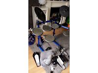 Roland electric drum kit and percussiom sound module
