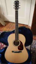 Larrivee L03 acoustic guitar made in USA solid Spruce/Mahogany + hard case