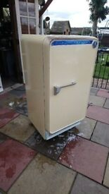 Vintage 1950's LEC international fridge