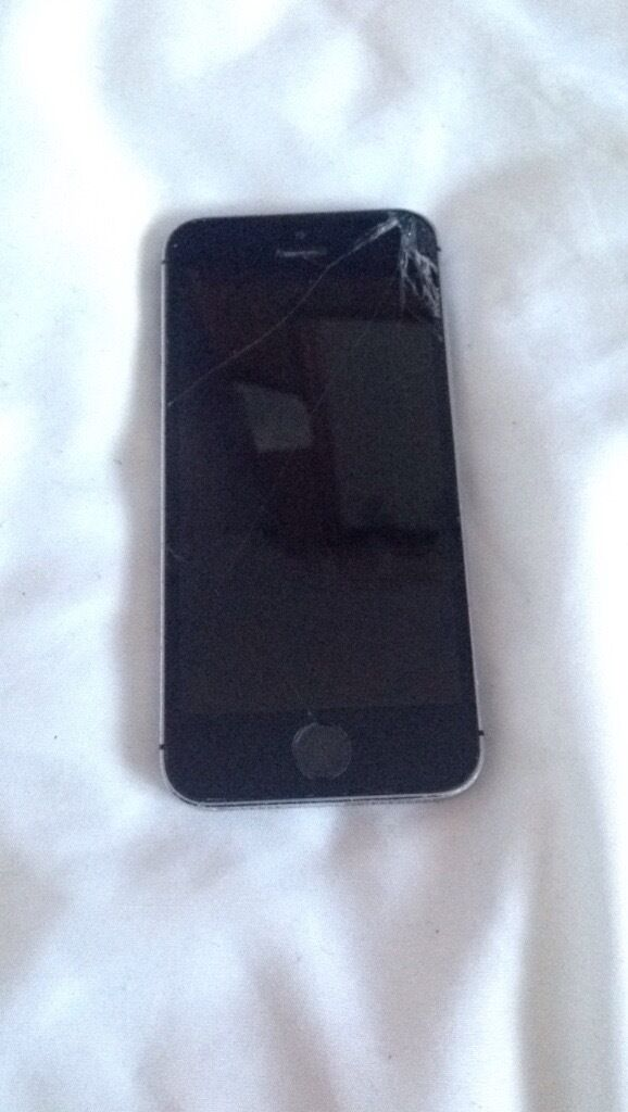 iPhone 5sWATER DAMAGEDin Dereham, NorfolkGumtree - Phone doesnt turn on, either spares or repairs or could repair for £50 Ive been quoted. Offers CHEAPER IF GONE BY SATURDAY