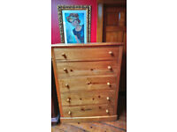 Extra large Solid pine 5 drawer chest of drawers.100% wood.