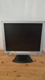 "V7 VideoSeven L17PS 17"" Inch LCD Flat Panel PC Computer Monitor With Stand"