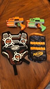 Nerf Set Of Two Pistols Ammo Dart Bag Target Vest