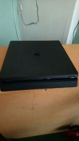 Playstation 4 slim 500gb used,2months old, ideal condition